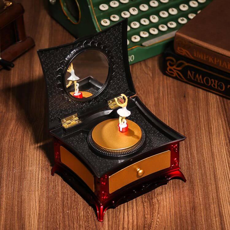 Музыкальная шкатулка купить в интернет-магазине по выгодной цене | Кукольные домики - Clubshopcity.ru